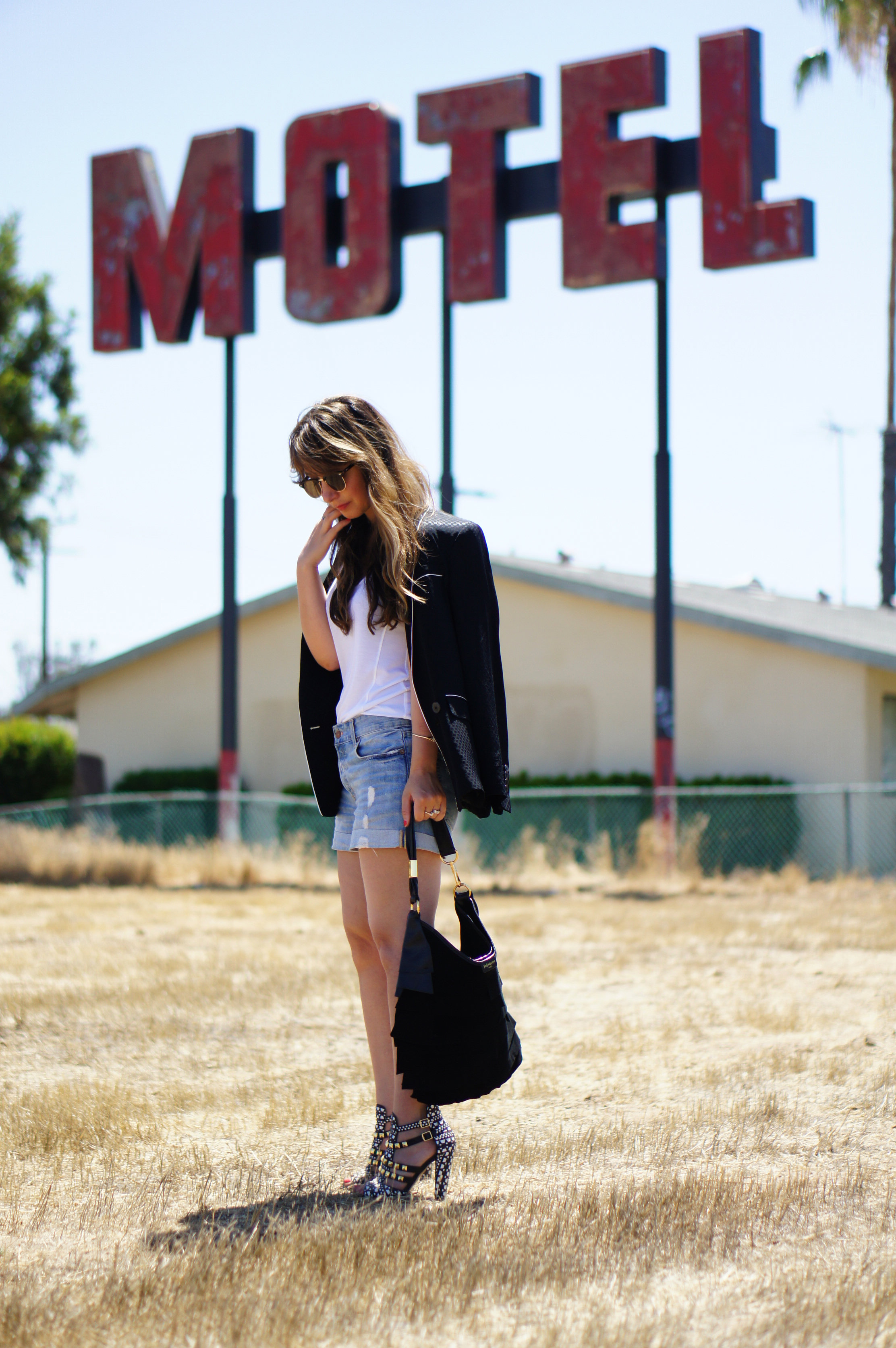 motel, hotel, Las Vegas, California, LA, denim, denim shorts, black blazer, YSL, Yves Saint Laurent, bag, zara, white tee, sandals, fashion, style, summer style, summer, California